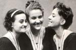 Победители I-го чемпионата мира (справа налево) Л.Савинкова, Т.Кравченко, Э.Аверкович. Будапешт 1963 год.